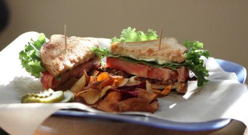 BLT w_ veggie chips