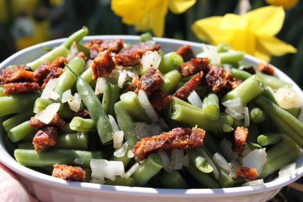 Green Beans w_ sauteed onions and Vegan Bacon